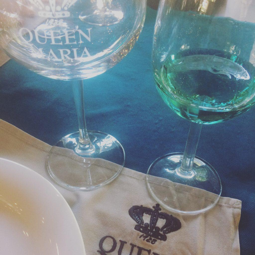 niebieskie wino queen maria royal winery